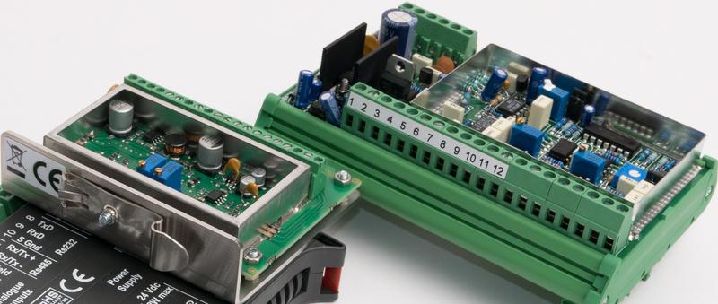 wzmacniacz analogowy przetwornika siły wymaga regulacji